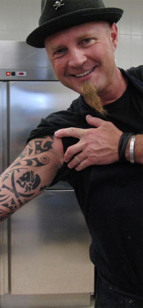 punker mit kochlöffel ? die jolly roger cooking gang - worlds of ... - Tattoos Für Köche