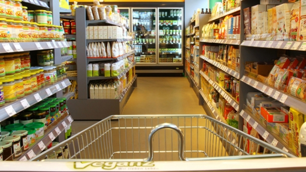 veganz der erste vegane vollsortiment supermarkt europas worlds of food kochen rezepte. Black Bedroom Furniture Sets. Home Design Ideas