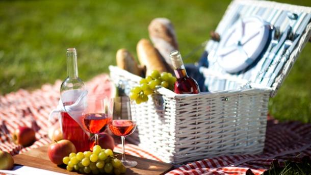 das picknick genuss unter freiem himmel worlds of food kochen rezepte k chentipps di t. Black Bedroom Furniture Sets. Home Design Ideas
