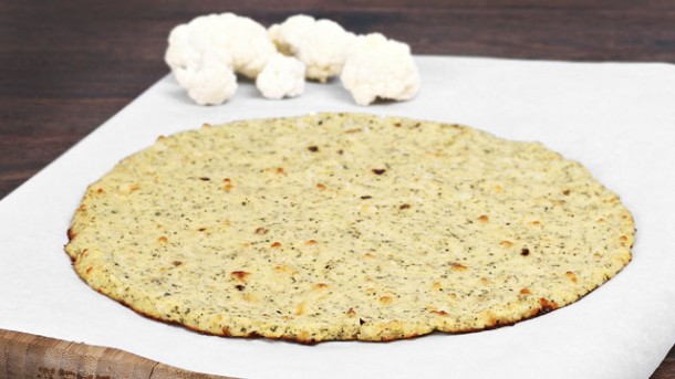 Originell Pizzateig Aus Blumenkohl Worlds Of Food Kochen