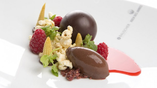 Koch Des Jahres U2013 Rezept: Dessert Aus Himbeere, Mais U0026amp;  Zartbitterschokolade